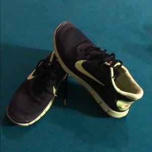Nike livestrong freeruns